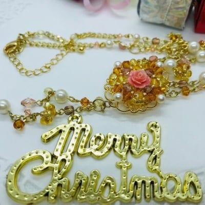 手作りビーズ《ネックレス 花》クリスマスギフトにどうぞ!