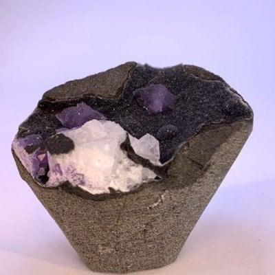 カダクワニ産アメジストオンカルサイト結晶 53g amethyst【3%ポイント還元】