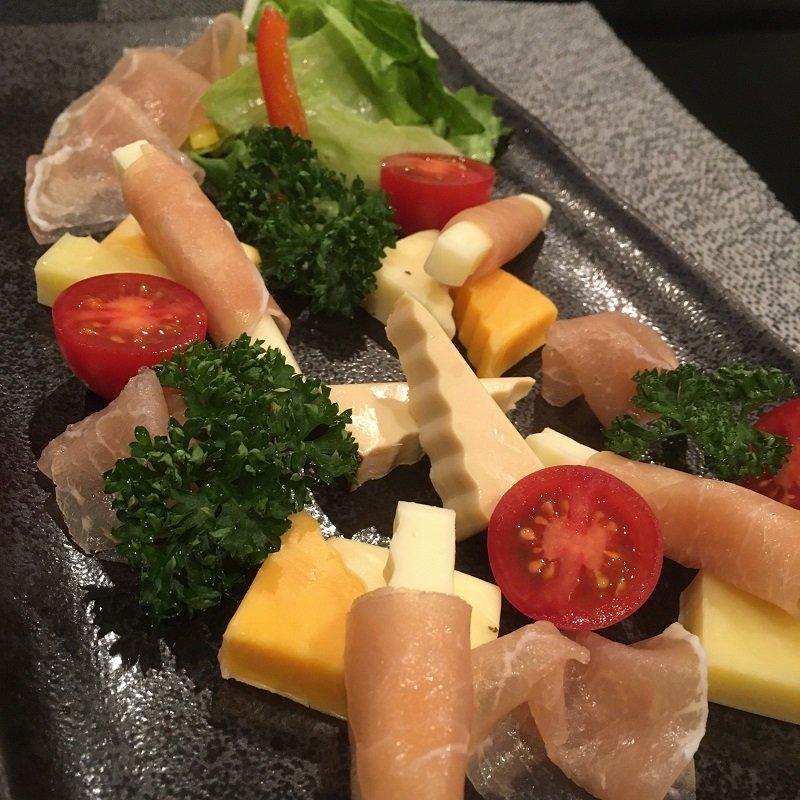 【テイクアウト限定】生ハムとチーズの盛り合わせのイメージその3
