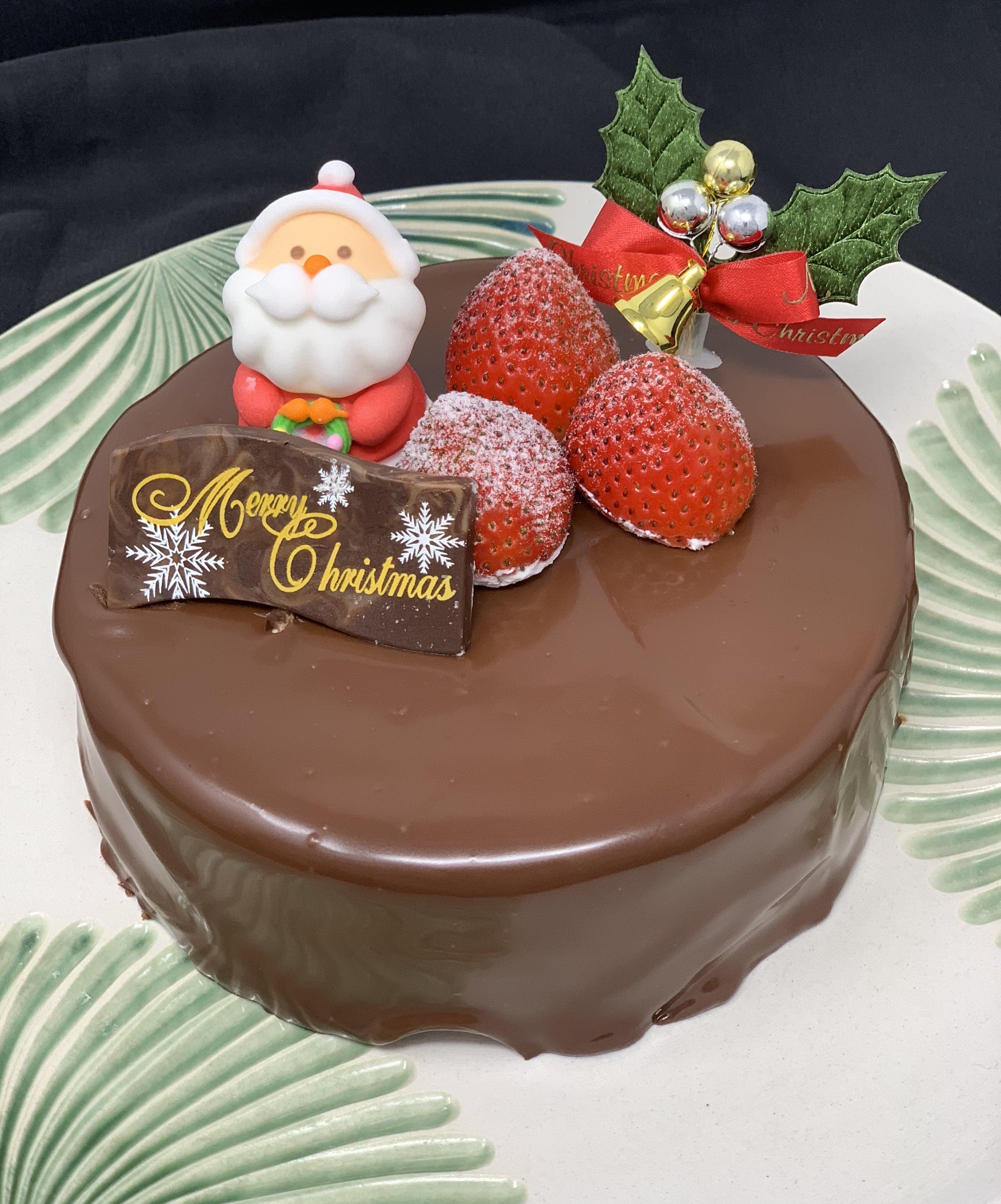 【店頭受け取り専用】チョコと木苺のクリスマスケーキ5号(4人から6人用)のイメージその1