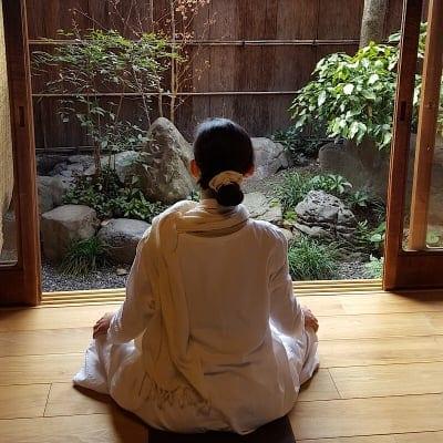 """【瞑想の個別セッション150分】マインドフルネス瞑想と個別カウンセリング!充実満足の150分/女性限定(男性条件付き可)/神奈川県逗子でマインドフルネス瞑想なら""""びわの寺""""/瞑想でリセット&リフレッシュ/ライフスタイル全般を改善するプライベートレッスンをしています。"""