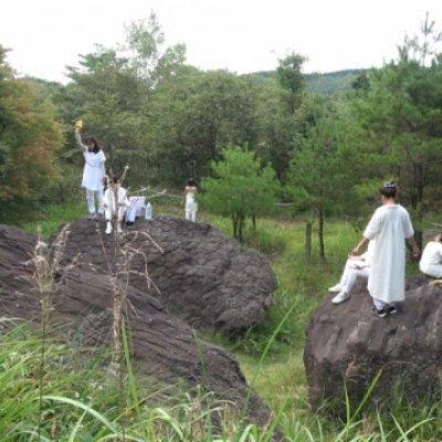 天無神人の宇宙神15神の祈り(愛知・長野の県境「亀甲岩」)