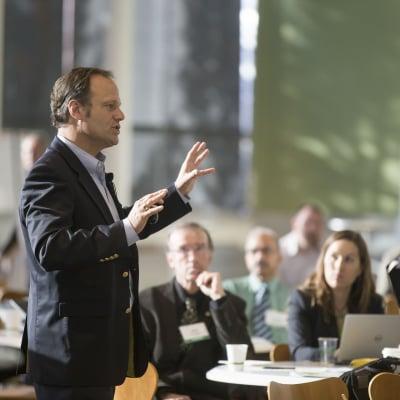 滑舌・アナウンス力を鍛える、聞きやすく伝わりやすいスピーチ講座