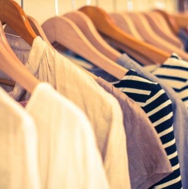 「オンライン」「似合う服しかないクローゼットの作り方」 簡易骨格診断付きで納得!と好評の洋服整理講座です。