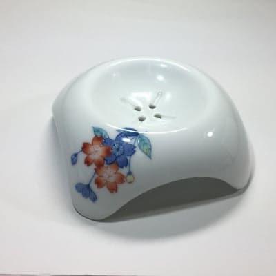 【伊万里焼の伝統の技で石鹸を美しく彩る】「白美の雫」専用ソープディッシュ(桜)
