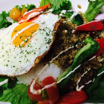 「Hawaiian Cafe Dining KOA」お得なウェブチケット (ガパオライスSET&ドリンク通常1860円→1000円)
