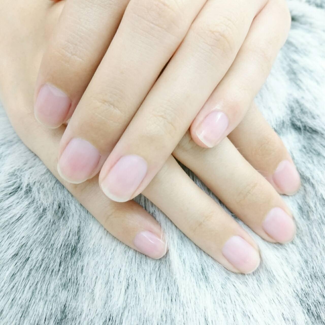 自爪を綺麗にしたい方、ジェルネイルが出来ない方★ベーシックケアコース40分 税込4400円のイメージその1