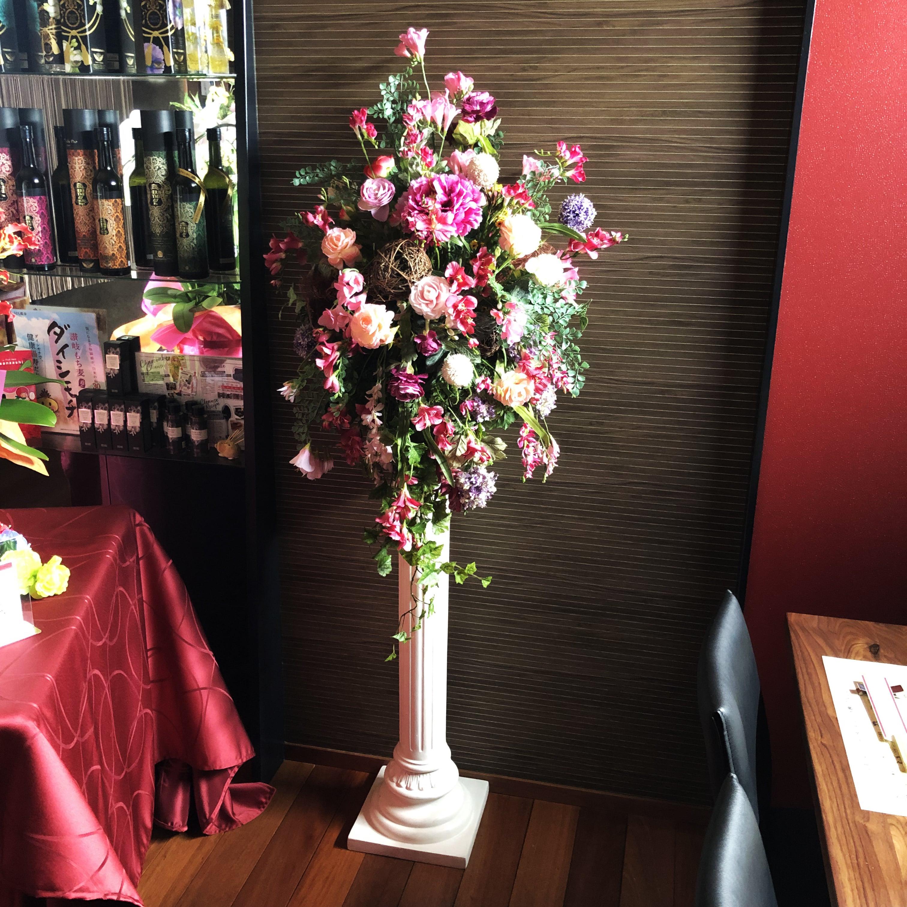 【毎月交換】【サロンドアプロディーテー、お好み焼・鉄板焼きヒーロー様専用】季節のお花アレンジメントのイメージその3