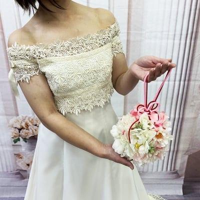 【造花ウェディングブーケ】白とピンクの可愛い手まり型ブライダルブーケ/bq-0037