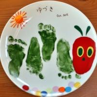 赤ちゃんの手形足形プレート(絵具)