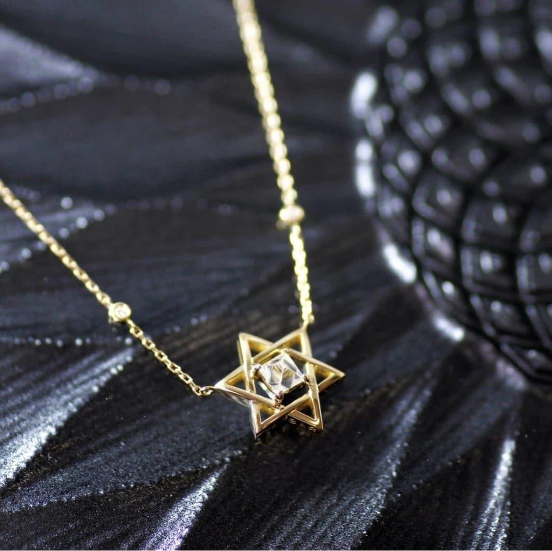 Sasha jewelry*ダイヤモンド原石ジュエリー〜六芒星〜(宝石セッション、ペンダントトップ、チェーン含む)のイメージその1