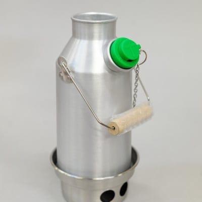 アウトドアの達人必須アイテム ケリーケトル トレッカー0.6L アルミ(コルクキャップ付き)