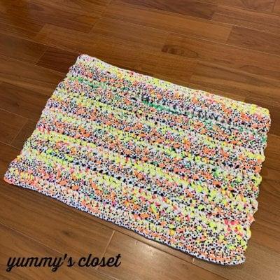 コットン素材の手編みマット/玄関/リビング/ペット用《カラフル》