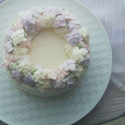 完全受注生産 / 紫陽花リース / フラワーケーキ / オーダーメイド / バタークリーム / デコレーションケーキ / 九州産  / こだわりの素材 / 世界に一つだけの / 特別なケーキをお作りします / サプライズにも!