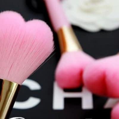 【送料無料】♡ハートのメイクブラシ♡ メイク*ブラシ*化粧*アイテム*ハート*ピンク*かわいい