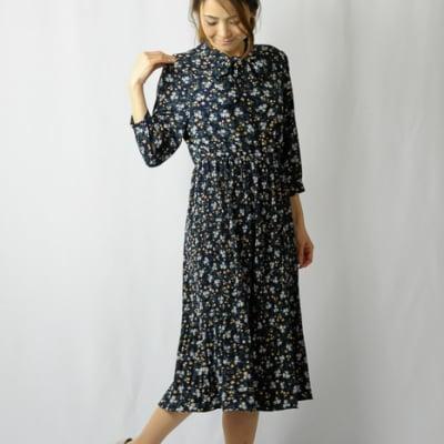 小花柄プリーツワンピース|40代ファッション│50代ファッション