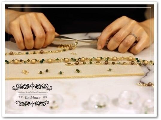 ◆◆レッスン◆◆ 高級ガラスビーズ(スワロフスキー社製)で作るお洒落な3連チョーカーのイメージその2