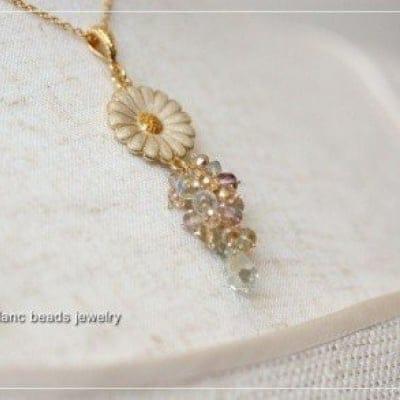 ◆◆レッスン◆◆ 可憐なマーガレットのネックレス、初心者の方でも作れますよ!