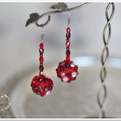 ◆◆レッスン◆◆ スワロフスキー社製ガラスビーズで個性的なボール型ピアスが作れます!