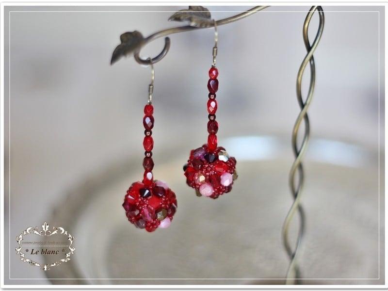 ◆◆レッスン◆◆ スワロフスキー社製ガラスビーズで個性的なボール型ピアスが作れます!のイメージその1