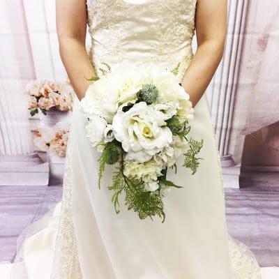 【造花ウェディングブーケ】白いバラのブライダルブーケ/ブートニアセット/bq-0023