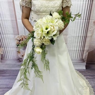 【造花ウェディングブーケ】白いバラのブライダルブーケ/ブートニアセット/bq-0041