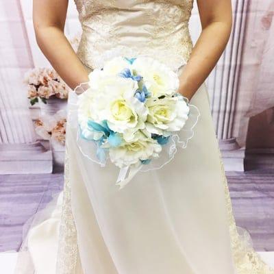 【造花ウェディングブーケ】白いバラとレースの可愛いブライダルブーケ/ブートニアセット/bq-0026