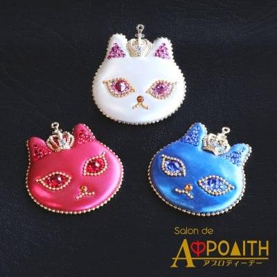 【ふしぎな光沢が美しい…★】猫のブローチ