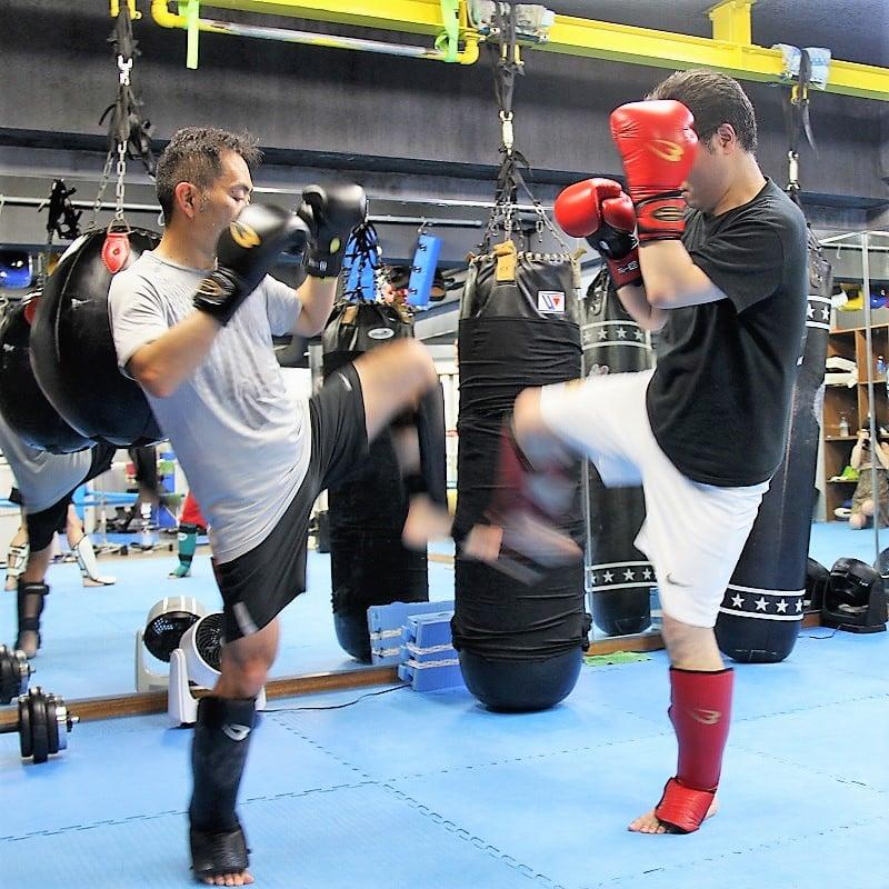 【キックボクシング】グループレッスン昼クラス(1ヶ月)+入会セット ※現地にて現金払いとなりますのイメージその1