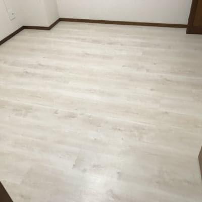 リフォーム用上張り床材の施工(マンションでの短期間施工可能)