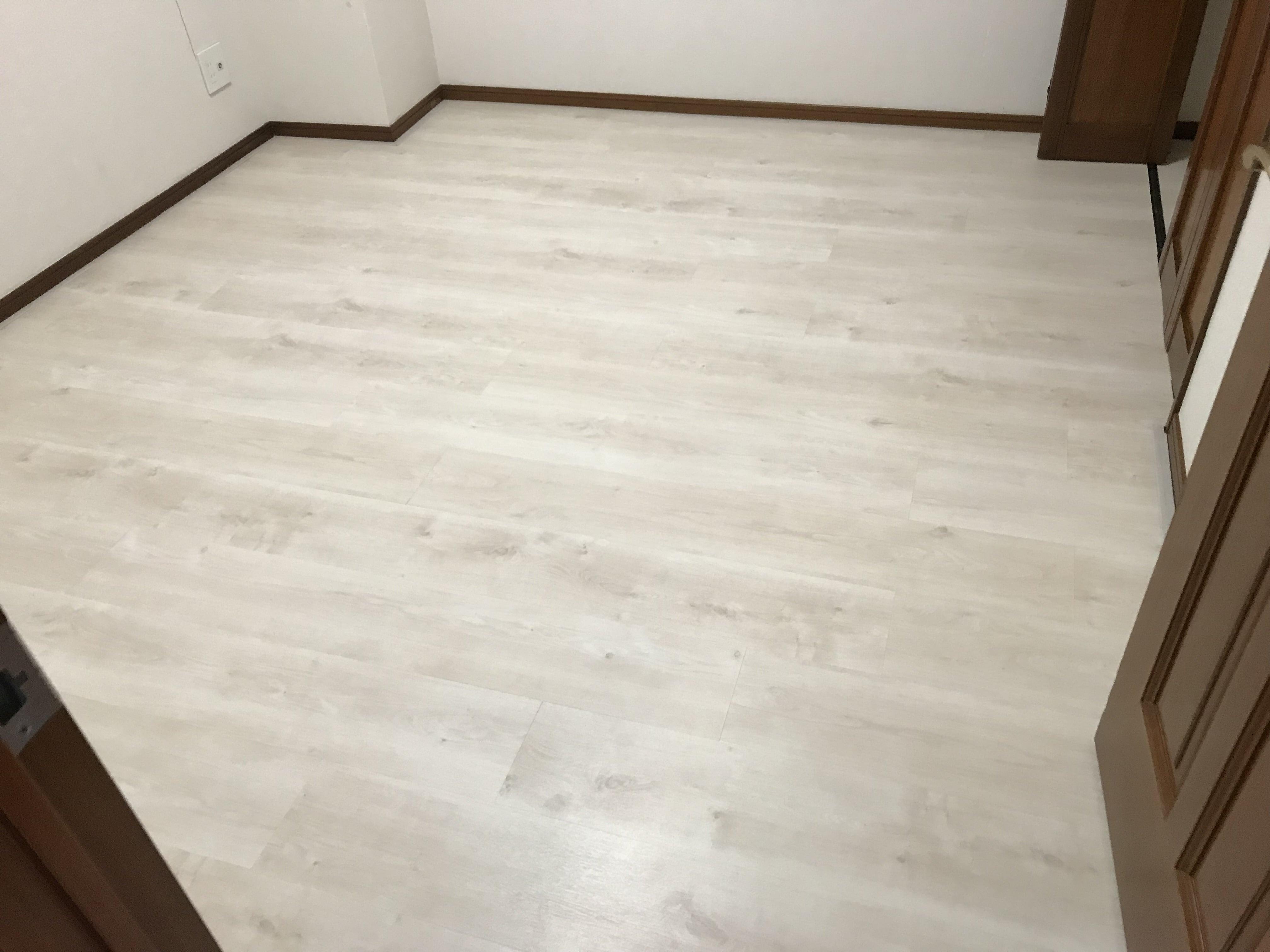 リフォーム用上張り床材の施工(マンションでの短期間施工可能)のイメージその1