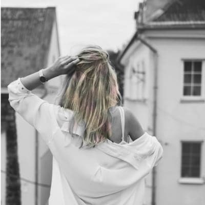 Girl - Photo