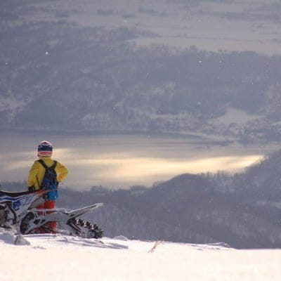 冬の北海道アクティビティ・スノーバイクツアー