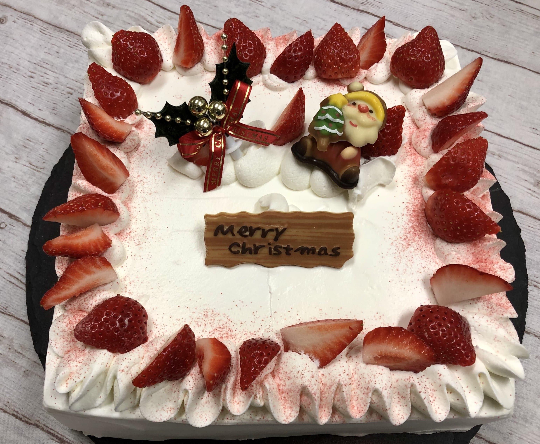 【店頭受け取りのみ】たっぷりいちごショート四角21×21cm*クリスマスケーキのイメージその1