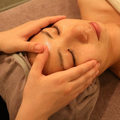 【結果重視!1番人気☆】毛穴洗浄+ビタミン導入+高周波+パック