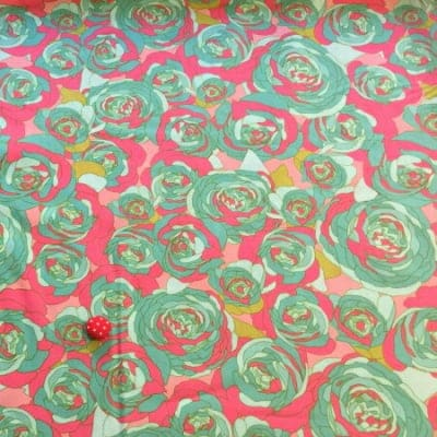 人気のモダmoda|ファブリック110cm×50cm〜ROSE SPRAY ローズ柄 ピンク×ターコイズ|カルトナージュの材料に♪