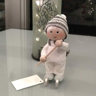 【Nordika Gift】 ホッケーをしている男の子