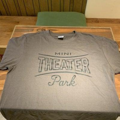 【MTP・チャコール Tシャツ】ミニシアター限定販売仕様&背中にシア...