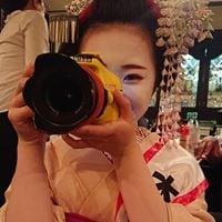 舞妓叶久さん 黒紋付姿 写真撮影会 1月6日(月)梨木神社 能舞台