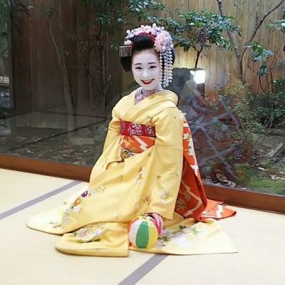 [複製]舞妓叶久さん・叶和佳さん 黒紋付姿 写真撮影会 1月6日(月)梨木神社 能舞台