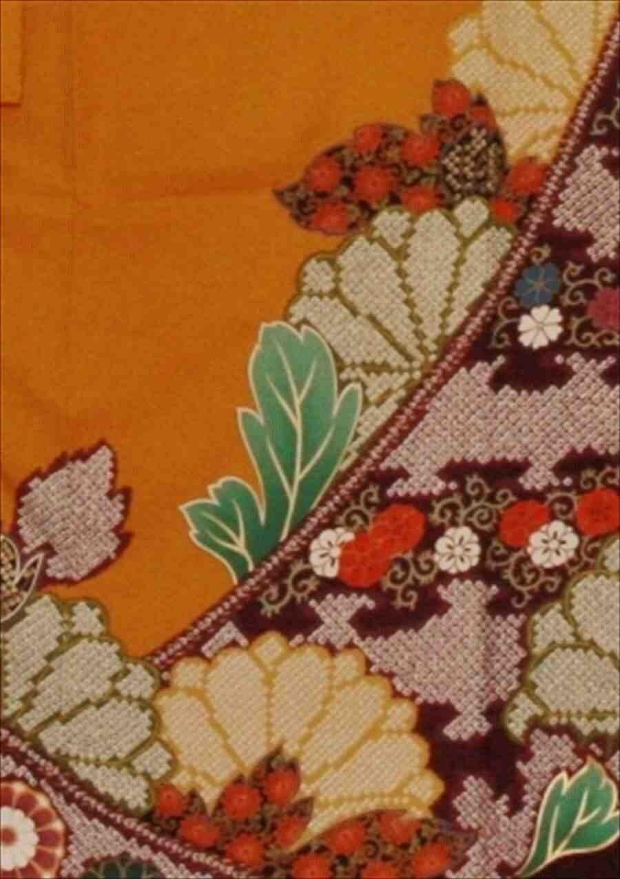 中振/カラシ色地にしぼり花紋(正)袖丈110 2360-020のイメージその2
