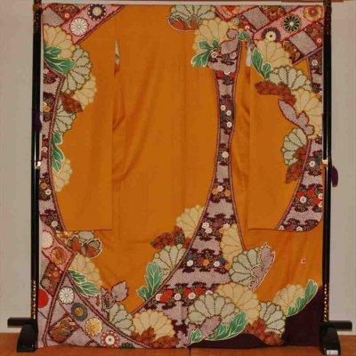 中振/カラシ色地にしぼり花紋(正)袖丈110 2360-020