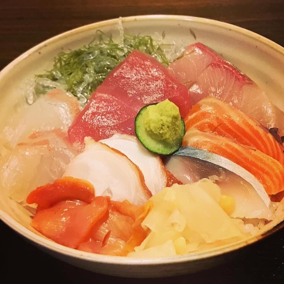 ランチ限定!日替わり海鮮丼のイメージその2