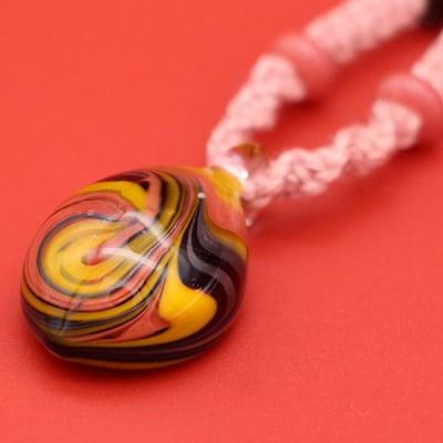 日本製 ガラス ネックレス ペンダント マーブル 麻 茜染 KaRin GLASS