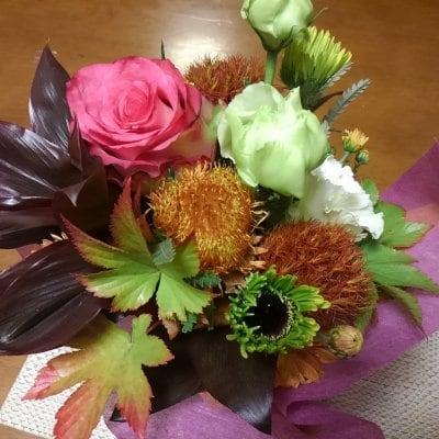 【感謝の気持ちをお花にのせて 華道家による完全オリジナル作品を贈りませんか?】理祥の記念日いけばな