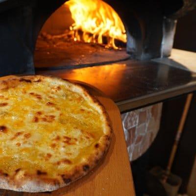 石窯薪Pizza クワトロフォルマッジ