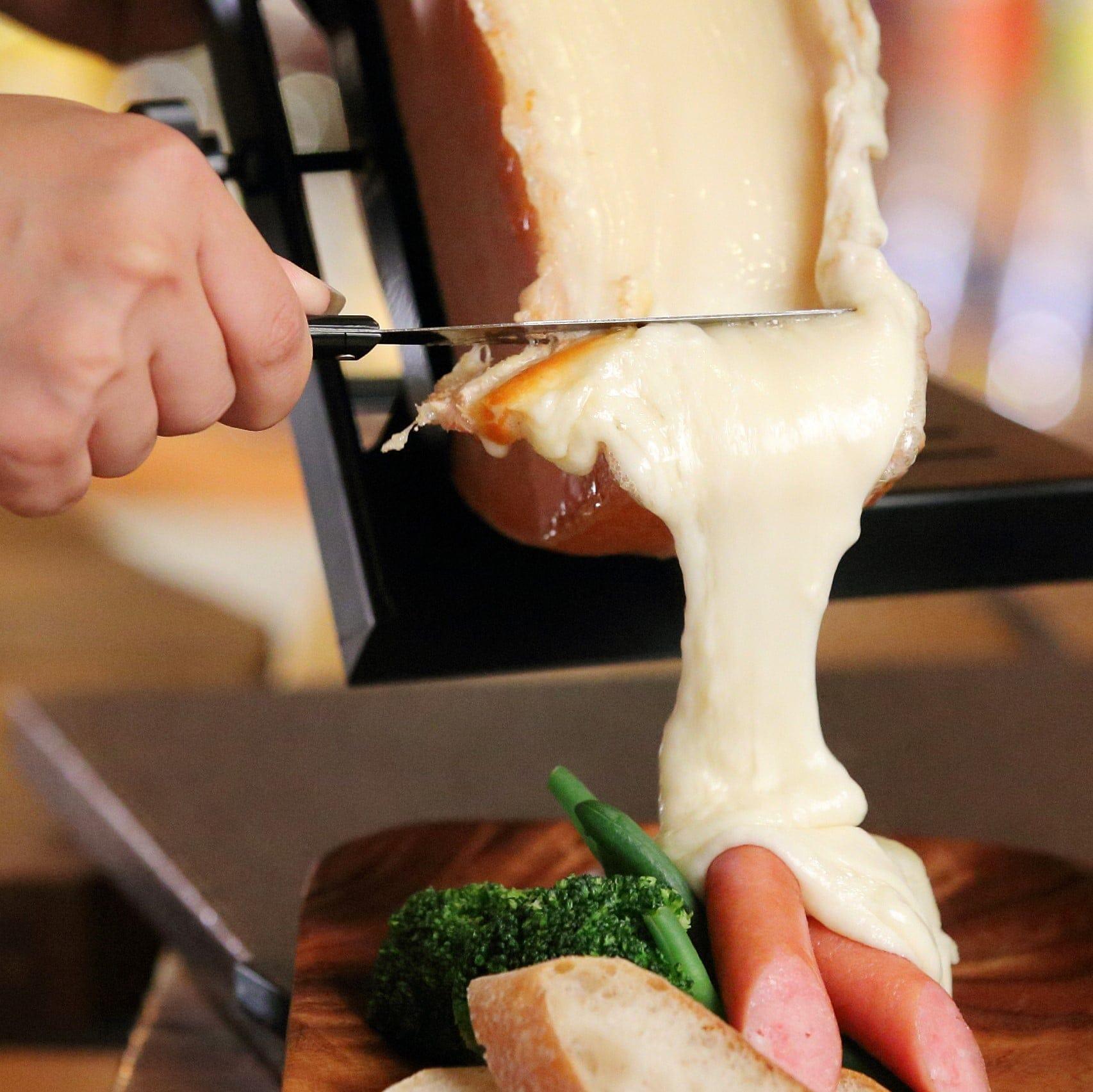 WEB限定で半額!ラクレットチーズをお好きなメニューにかけれるチケット!のイメージその1