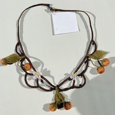ナルルハン/ナウルハン産のオヤのネックレス(柿)