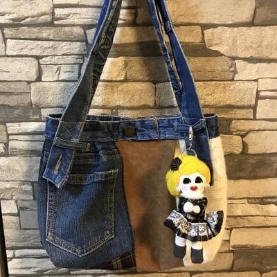 【バッグチャーム付き】デニムリメイクバッグ