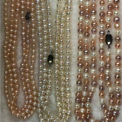 色が選べる琵琶湖真珠金具付き長さは126センチネックレス